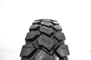 11 r 22.5 - LM305 Drive Tire