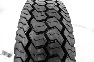 215 75 17.5 - LM508 All Position Tire